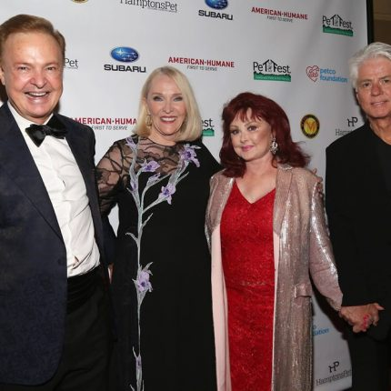 Alex Donner With Naomi Judd at Pet Hero Awards 2016